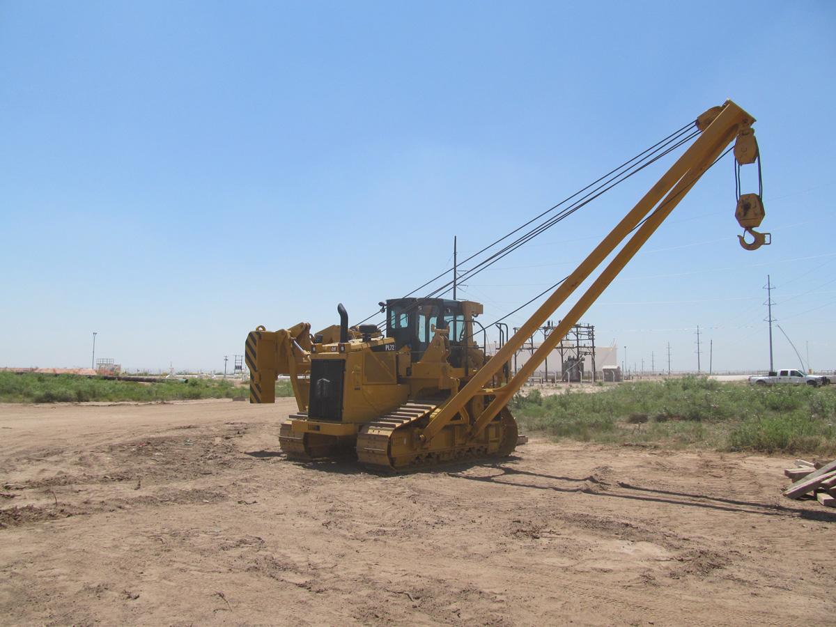 PL72 pipelayer sideboom pipeline construction equipment